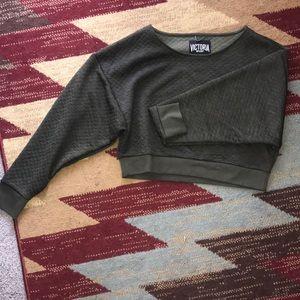 VS crop workout shirt